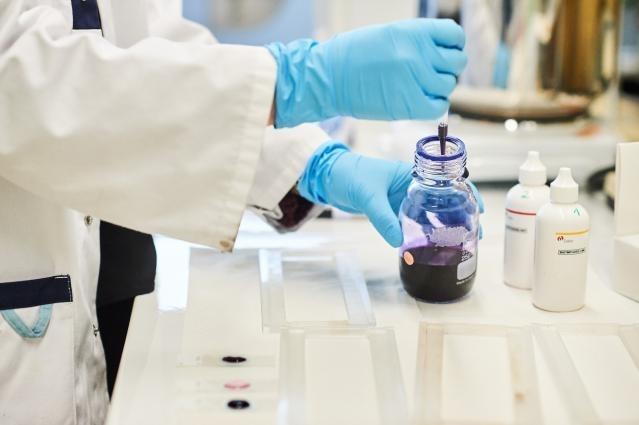 Imagen del contacto no disponible  Coronavirus: la Comisión firma con Gilead un contrato de adquisición conjunta para el suministro de remdesivir