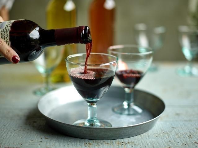 La Comisión prorroga el paquete de medidas de apoyo al sector vitivinícola