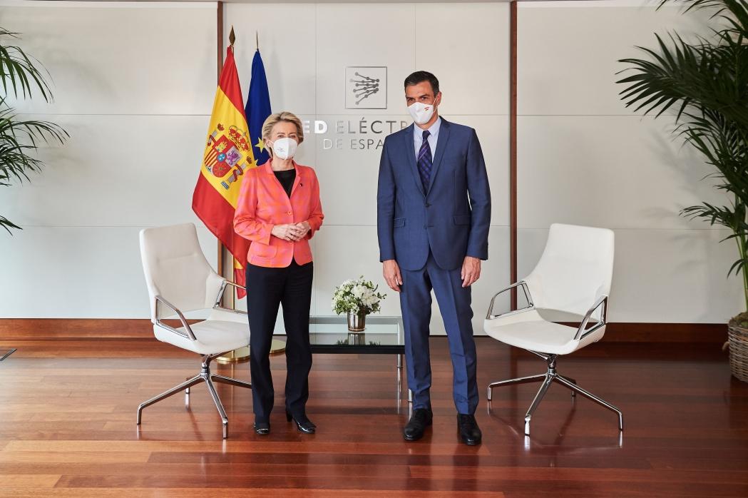 La presidenta de la Comisión Europea visita Madrid y comunica la evaluación positiva del Plan de Recuperación y Resiliencia español