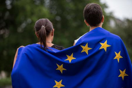 COMUNICACIÓN DE LA COMISIÓN AL PARLAMENTO EUROPEO, AL CONSEJO, AL COMITÉ ECONÓMICO Y SOCIAL EUROPEO Y AL COMITÉ DE LAS REGIONES
