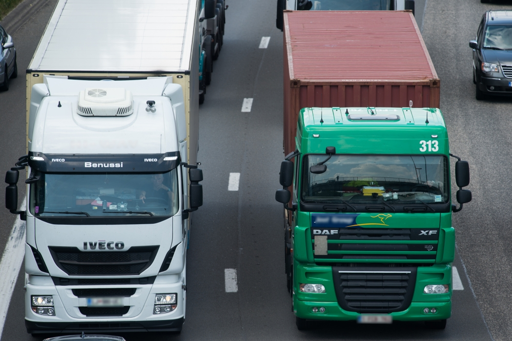 Coronavirus: La Comisión Europea publica orientaciones prácticas para garantizar la circulación continua de las mercancías en toda la UE a través de los carriles verdes