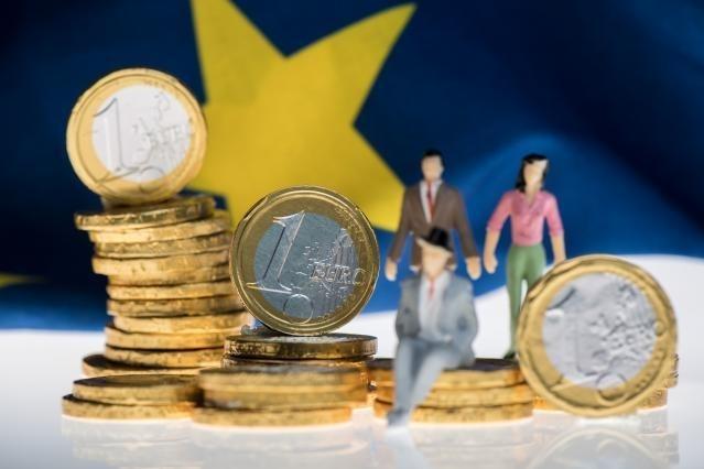 Protección de los consumidores: la Comisión revisa las normas de la UE sobre la seguridad de los productos y el crédito al consumo